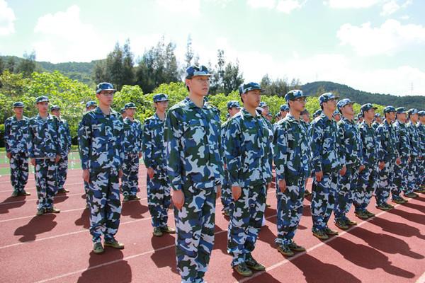 拓展訓練項目-軍訓